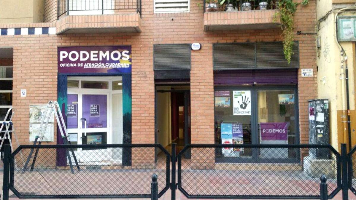 La «sede de atención al ciudadano» abierta en Zaragoza por Echenique en 2014, durante su etapa como eurodiputado.