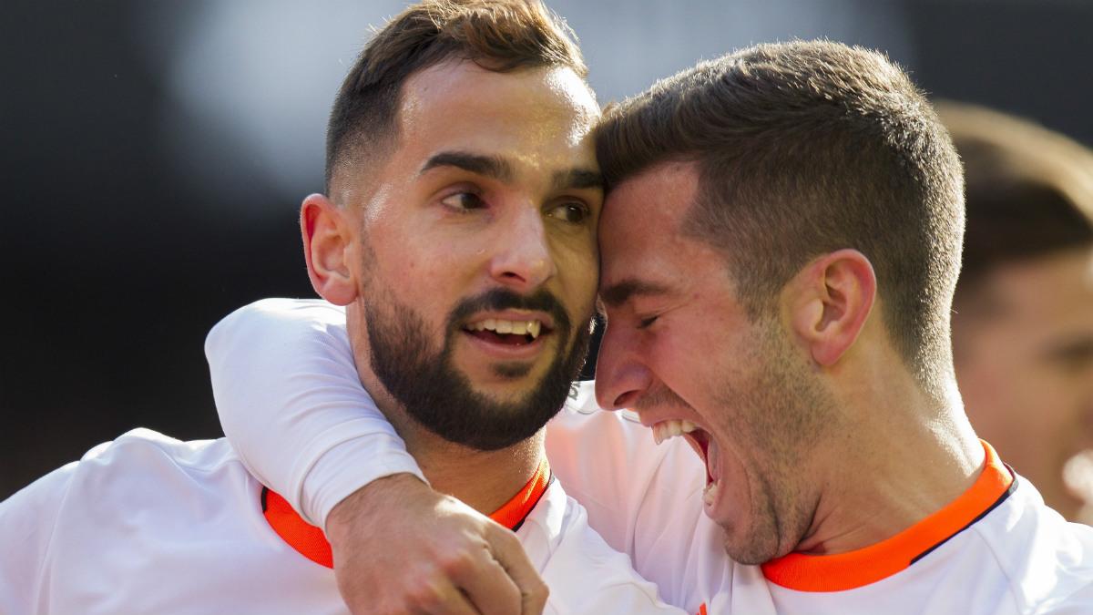 Montoya marcó el camino de la victoria del Valencia con el 1-0. (EFE)