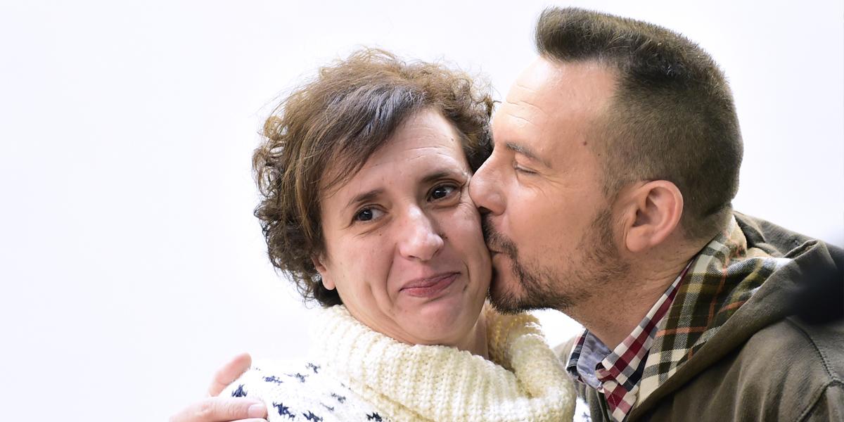 Teresa Romero y su marido. (Foto: AFP)