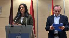 La portavoz de C's en Madrid Begoña Villacís junto a su edil de Economía Miguel Ángel Redondo. (Foto: TW)
