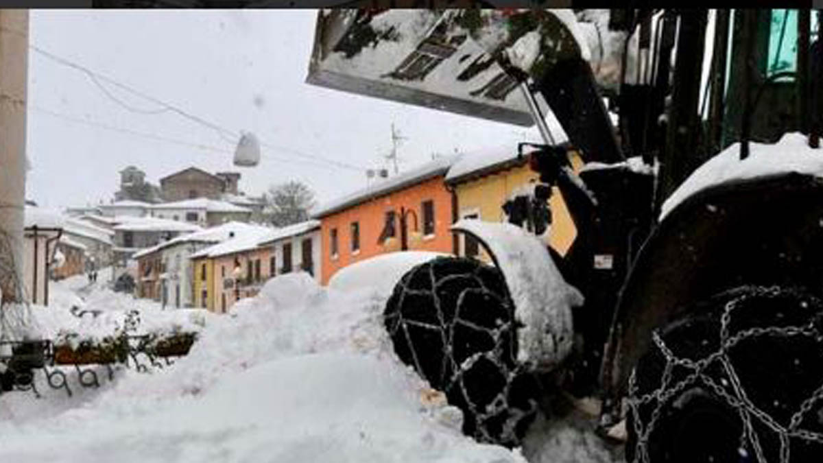 Una avalancha en Italia ha sepultado un hotel.