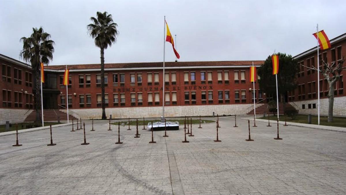 Fachada de la base militar de Cerro Muriano (Córdoba).