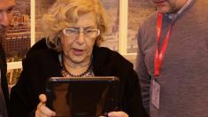 La alcaldesa Manuela Carmena en IFEMA. (Foto: Madrid)