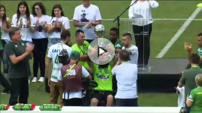 Lágrimas, emoción y goles en el día que el Chapecoense volvió a jugar al fútbol