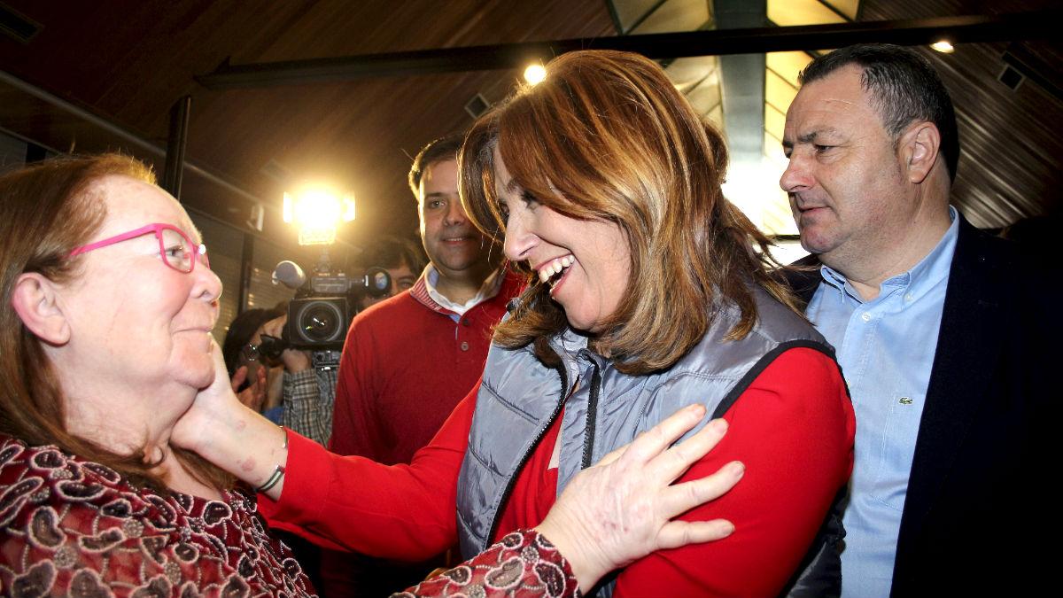 Susana Díaz en un acto con militantes en la localidad leonesa de Camponaraya (Foto: Efe).