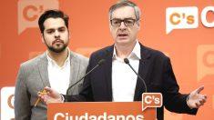 José Manuel Villegas y Fernando de Páramo. (Foto: EFE)