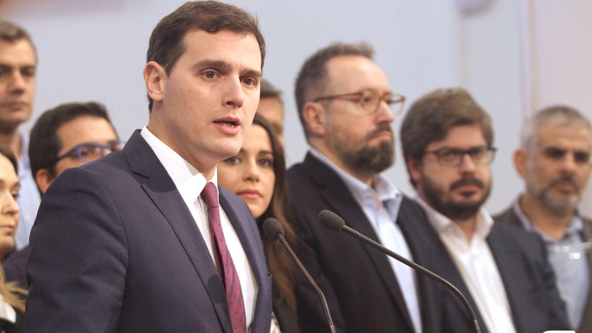 El presidente de Ciudadanos, Albert Rivera (c) (Foto: Efe)