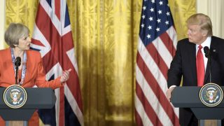 Theresa May y Donald Trump en la Casa Blanca (Foto: AFP).