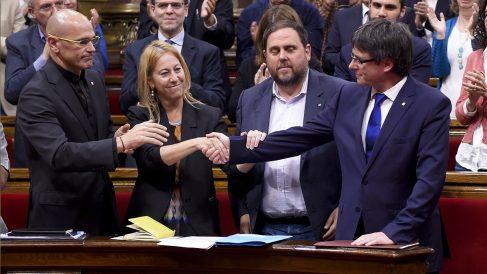 Raül Romeva, Neus Munté, Oriol Junqueras y Carles Puigdemont. (Foto: AFP) | Última hora Cataluña