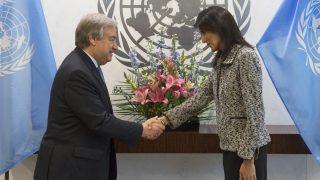 António Guterres y Nikki Haley. (Foto: AFP)