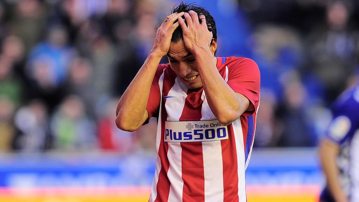 Nico Gaitán se lamenta tras fallar una ocasión clara de gol para el Atlético