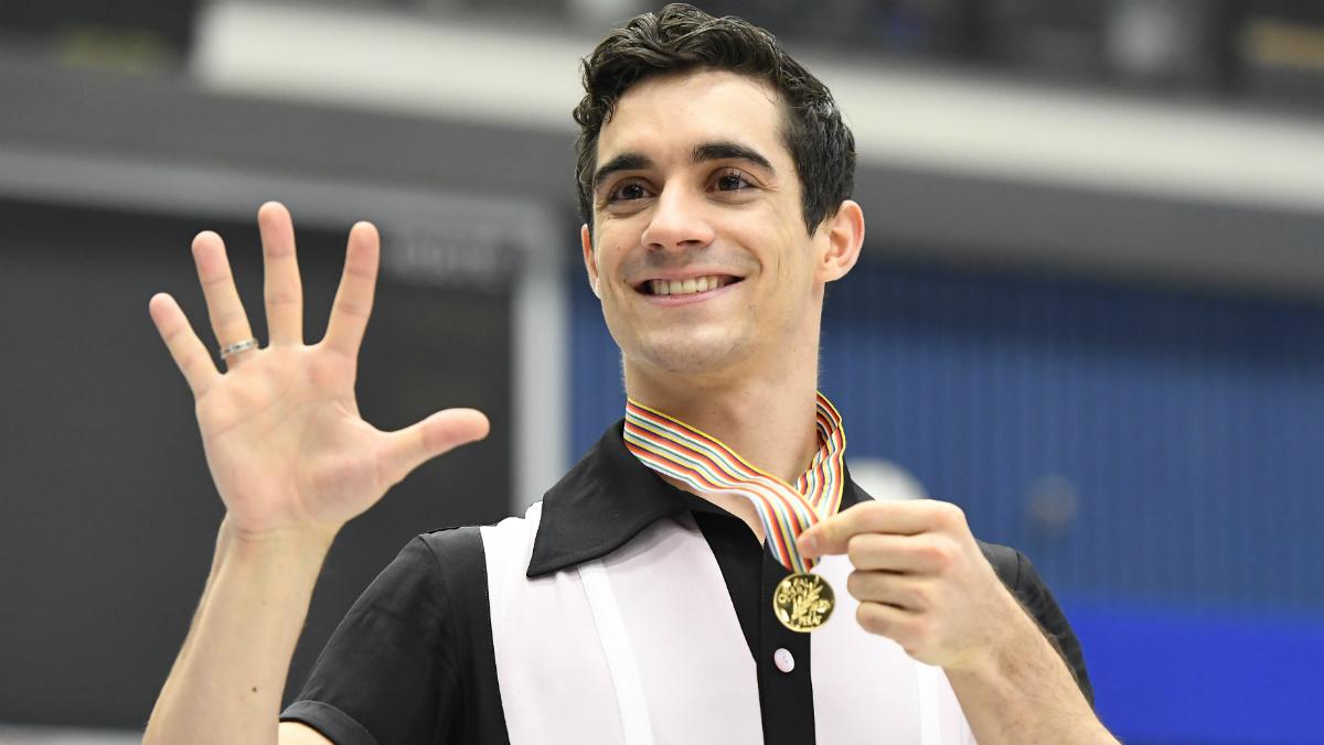 Javier Fernández celebra la consecución de su quinto campeonato de Europa seguido. (AFP)