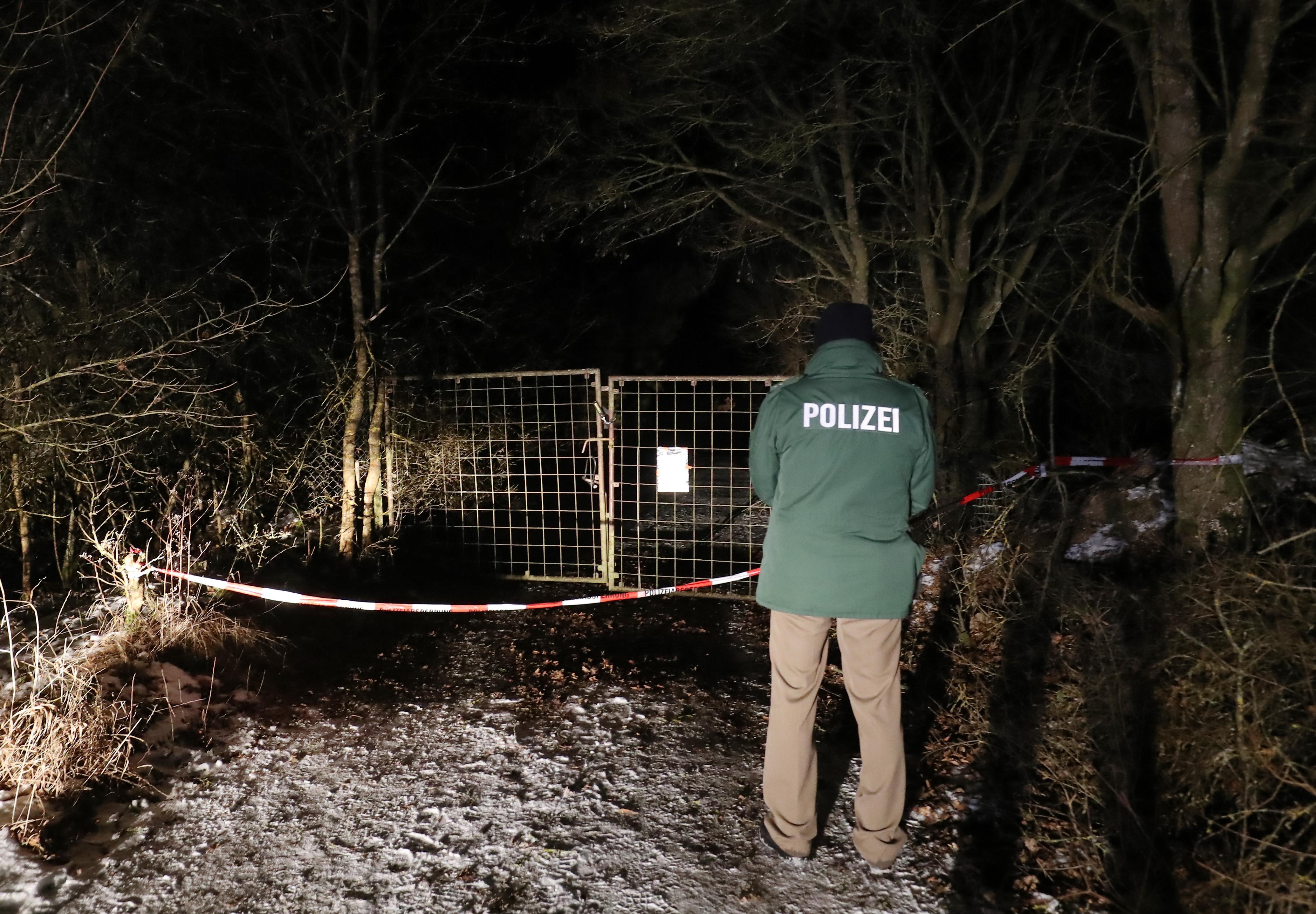 La Policía investiga la zona donde seis jóvenes murieron en una fiesta en Alemania (Foto: AFP)