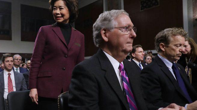 El portavoz de la mayoría republicana en el Senado pide «cautela» a Trump con la inmigración