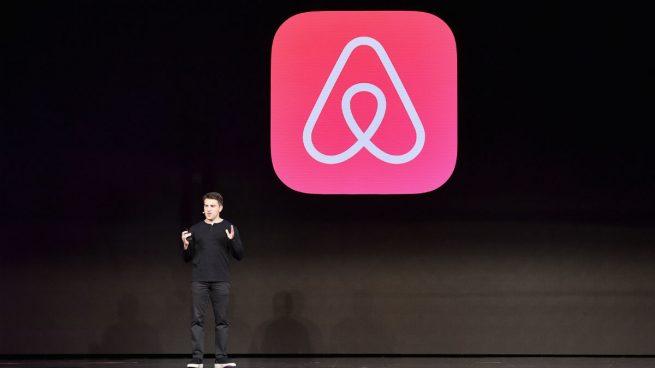 Bruselas amenaza con sanciones a Airbnb