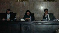 El boticario, Rafael Sancho; el presidente de la SECA, Alfonso de la Figuera y el actual alcalde de Zaragoza, Pedro Santisteve. (Foto: Facebook)