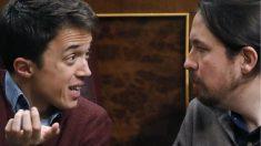 Íñigo Errejón y Pablo Iglesias discuten durante el Pleno del Congreso de los Diputados (Foto: EFE)