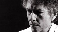 Bopb Dylan en una foto de su cuenta oficial de facebook.