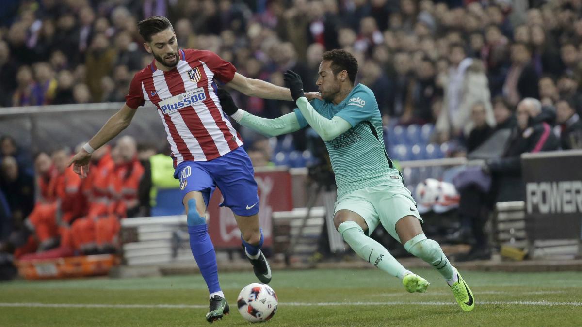 Neymar, en un lance del partido frente al Atlético de Madrid. (EFE)