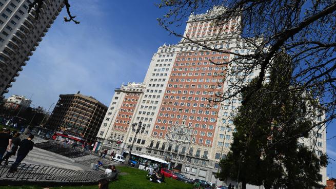 Carmena se reúne con el dueño del Edificio España para impulsar un hotel de 600 habitaciones