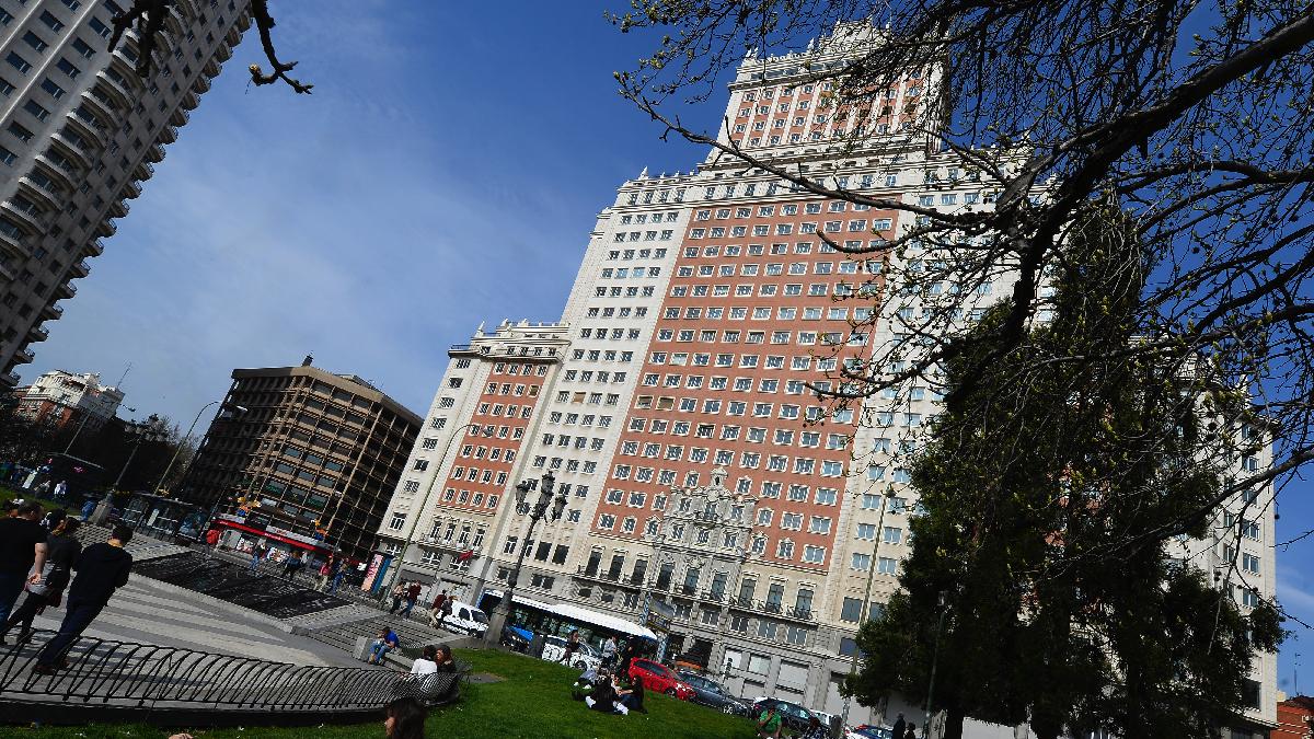 El Edificio España en la Plaza donde comienza la Gran Vía. (Foto: AFP)