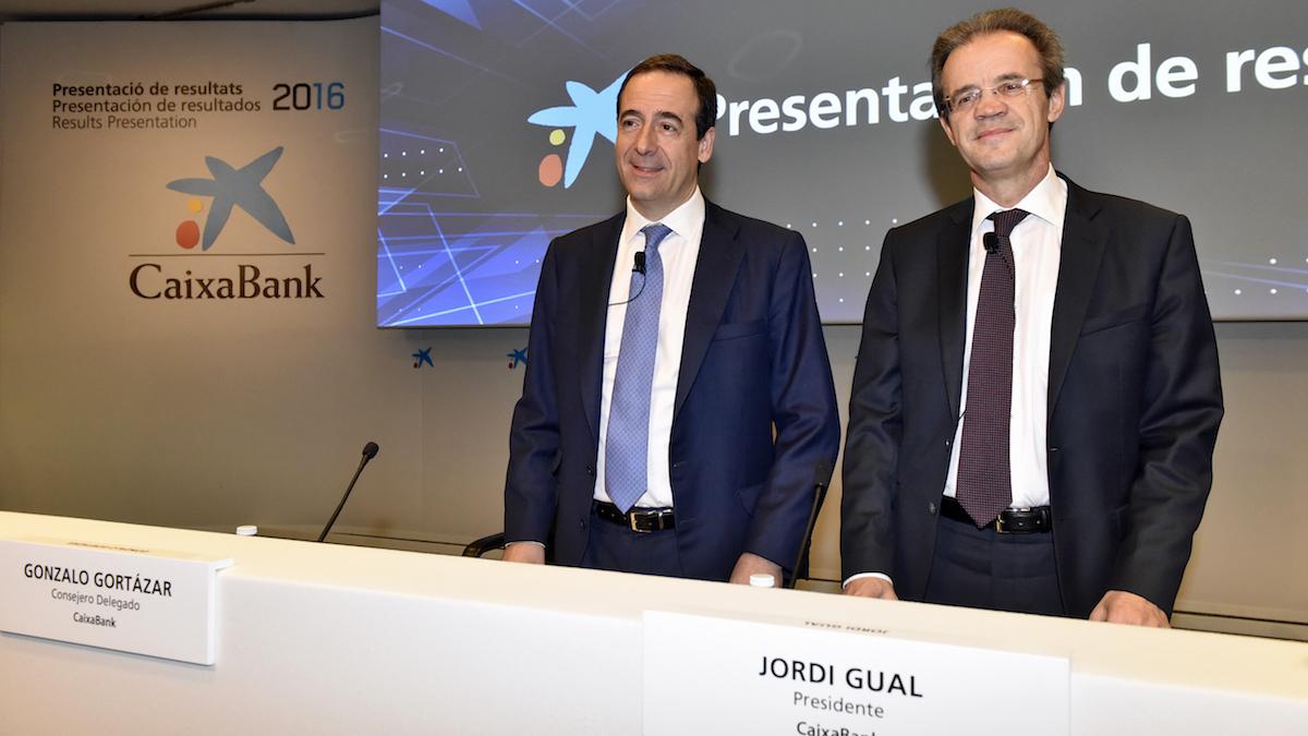 Jordi Gual, presidente de CaixaBank y Gonzalo Gortázar, consejero delegado de CaixaBank.