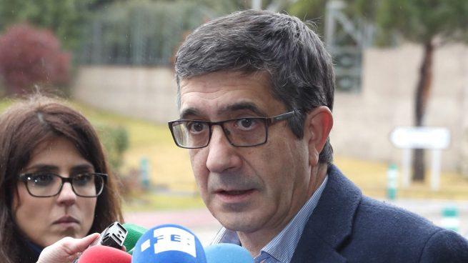 """Patxi López pide reconstruir el PSOE con un proyecto """"claramente de izquierdas"""""""