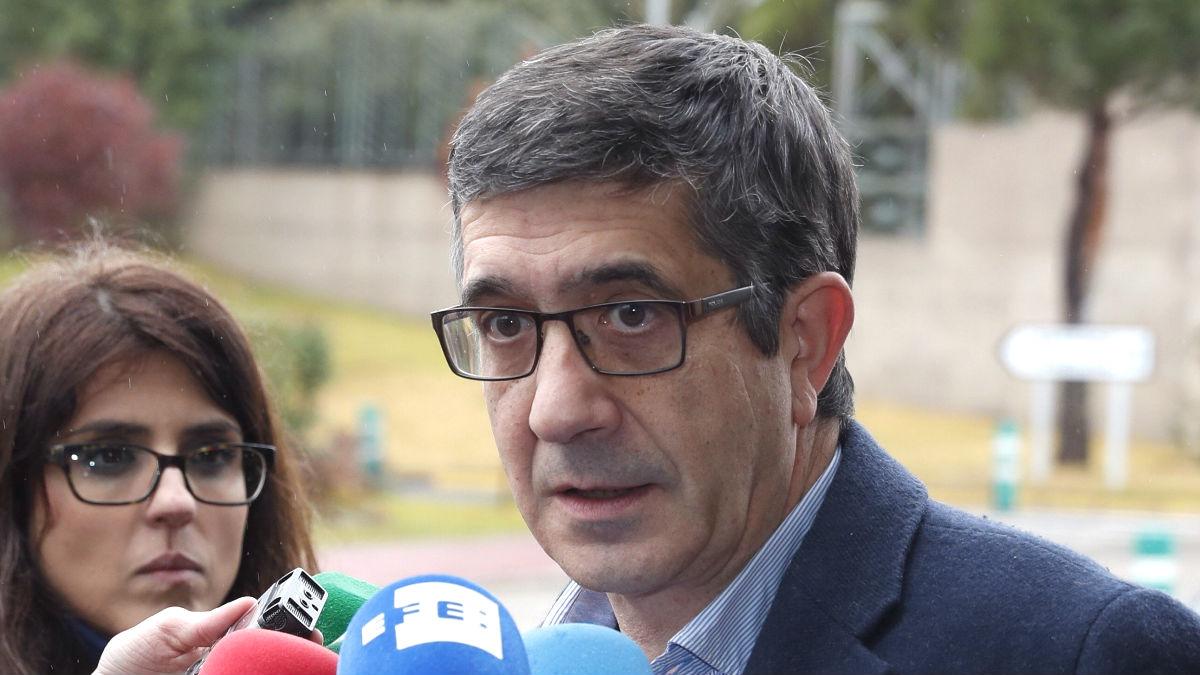 El ex lehendakari y candidato para las primarias a secretario general del PSOE, Patxi López (Foto: Efe)