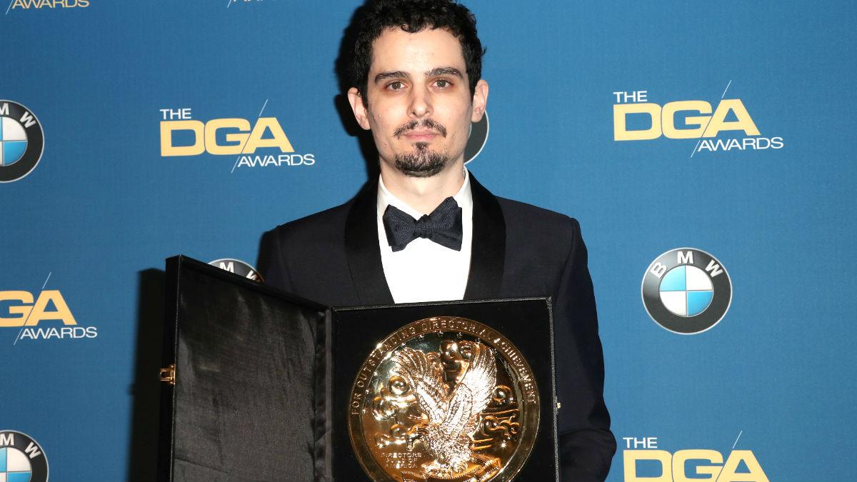 Damien Chazelle con el premio (Foto: AFP).