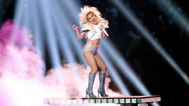 Lady Gaga vuelve a sacar su lado más «friki» en la Super Bowl 2017
