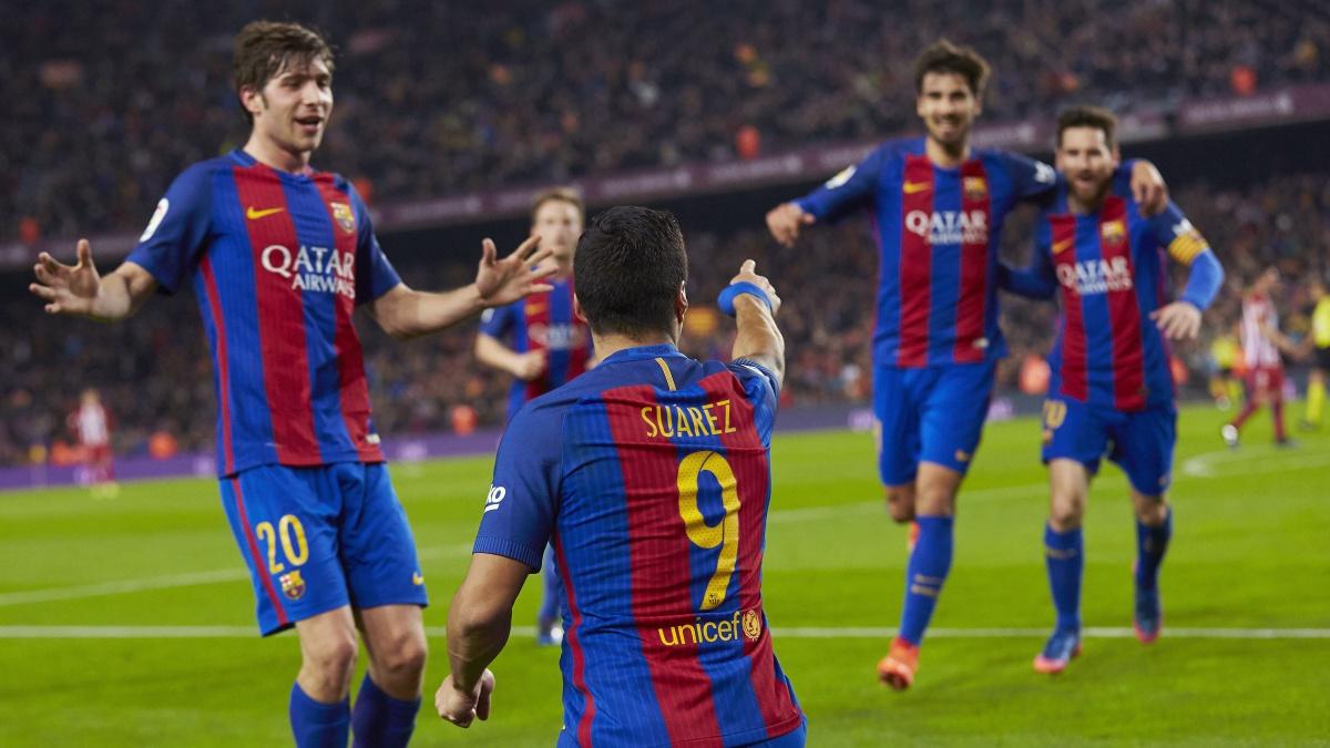 Los jugadores del Barça celebran su gol ante el Atlético