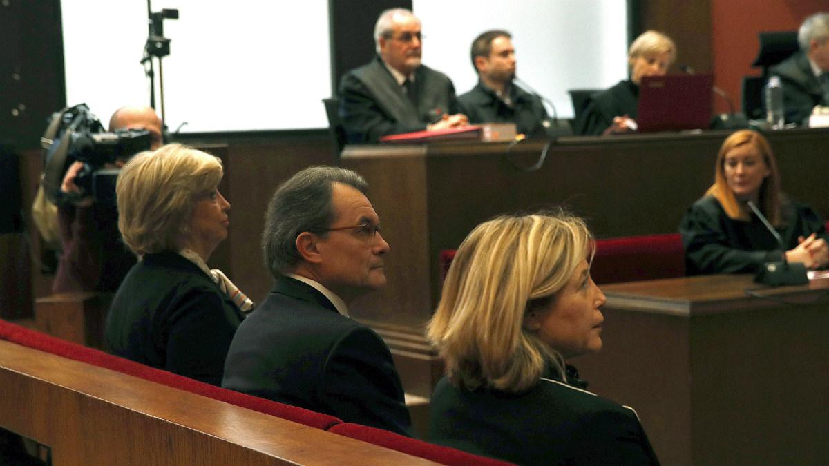 Joana Ortega, Artur Mas e Irene Rigau. (Foto: EFE)