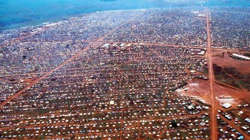 El campo de refugiados de Dadaab (Kenia), el más grande del mundo, aloja a 326.000 personas.
