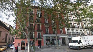 El número 104 de la calle Atocha en Madrid, donde ha ocurrido el suceso.