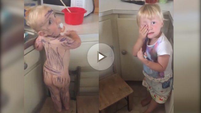 El amor a las cebras le lleva a pintar a su hermano pequeño… ¡a rayas!