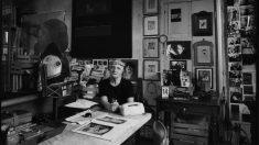Carol Rama en su estudio fotografiada por Pino Dell'Aquila.