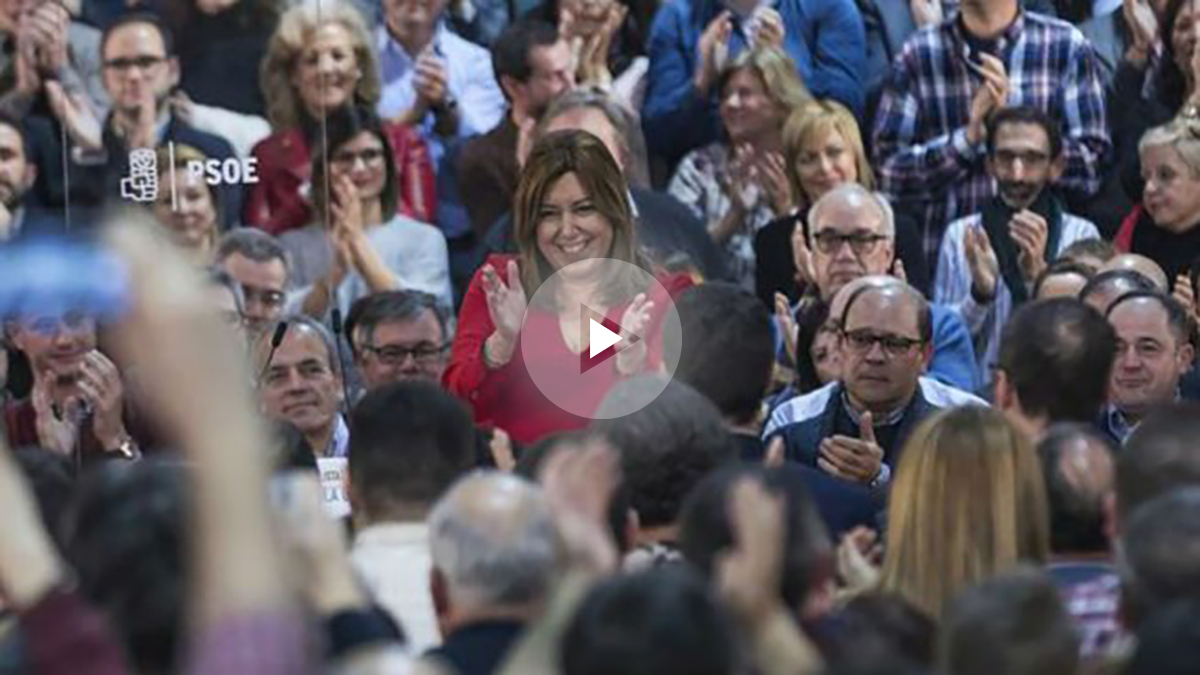 Susana Díaz arropada por cientos de personas en el acto de alcaldes socialistas de Andalucía. Foto: EFE