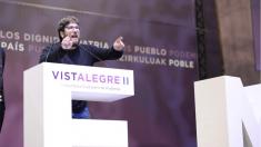 Miguel Urbán pronunciando su discurso incendiario en Vistalegre 2. (Foto: TW)