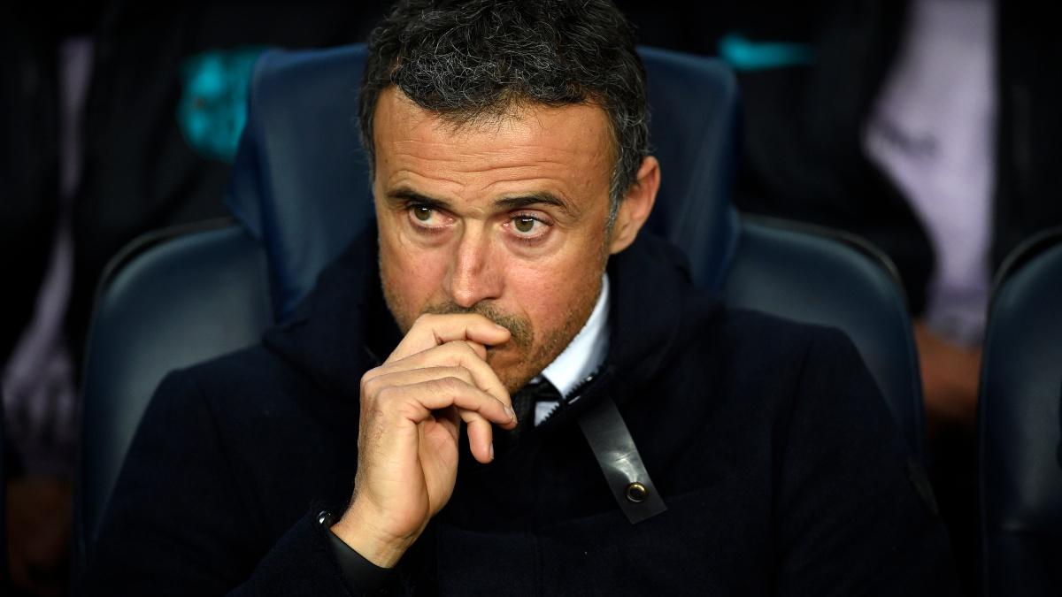 Luis Enrique, en el banquillo durante un partido del Barcelona