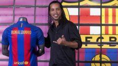 Ronaldinho, el día de su regreso al Barcelona. (EFE)