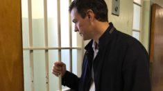 Pedro Sánchez visitando la celda donde estuvo Mandela preso en Robben Island. Foto: @sanchezcastejon