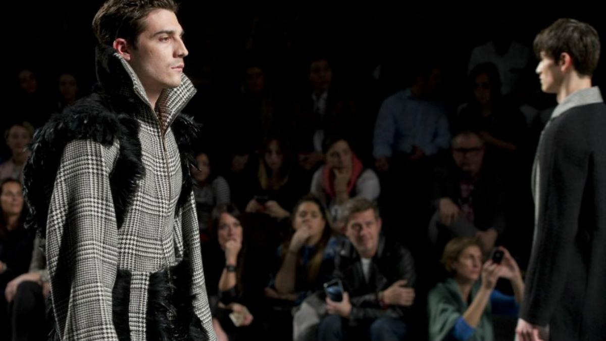 La moda masculina cada vez tiene más protagonismo en la Mercedes-Benz Fashion Week Madrid. Foto: AFP