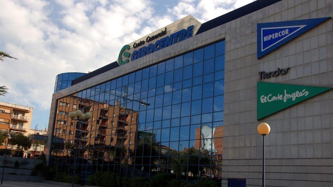 Centro Comercial de El Corte Inglés, con supermercado Hipercor.