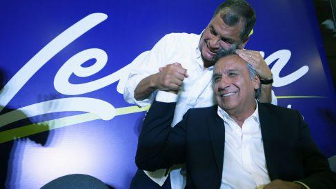 Lenín Moreno junto a Rafael Correa (Foto: AFP)