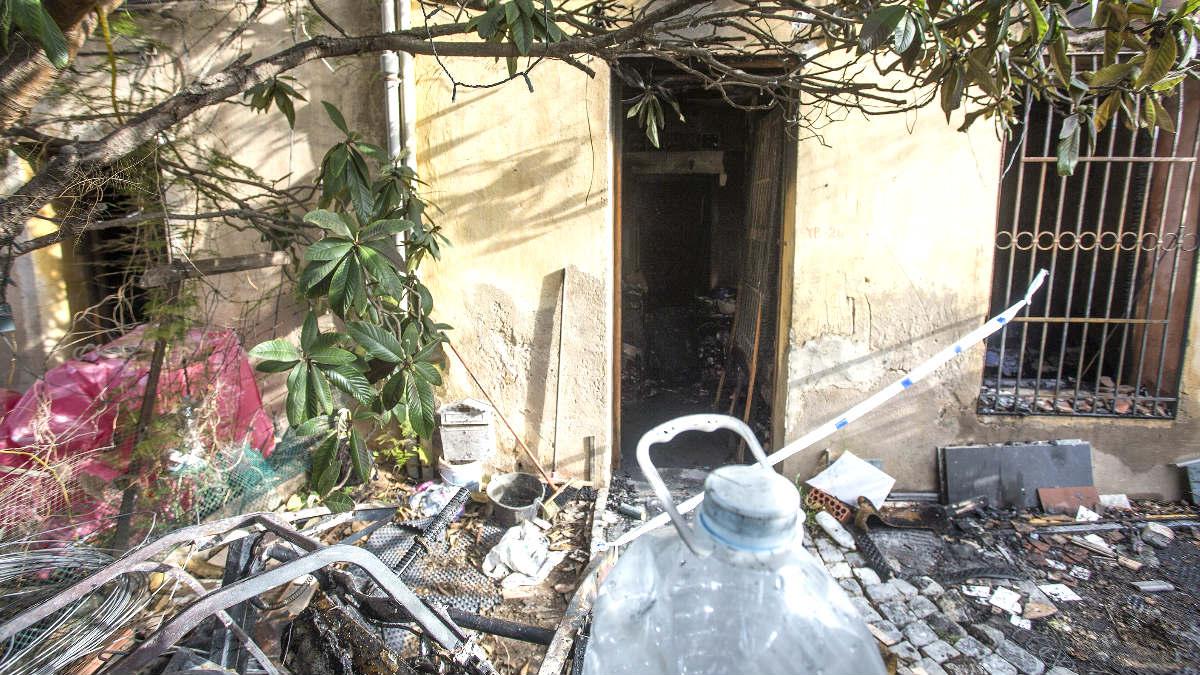 Imagen de la vivienda incendiada (Foto: Efe).