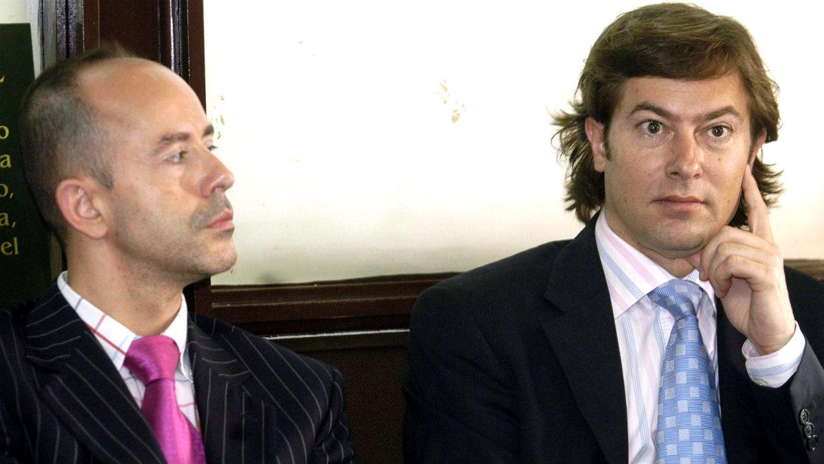 El teniente fiscal Jesús Alonso (izquierda), junto al juez de la Audiencia Nacional Santiago Pedraz (Foto: EFE).