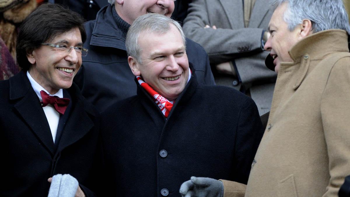 El ex primer ministro de Bélgica Yves Leterme en un partido de fútbol (Foto: AFP)