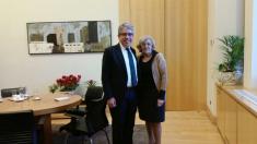 La alcaldesa con el diputado catalán en el Palacio de Cibeles. (Foto: TW)