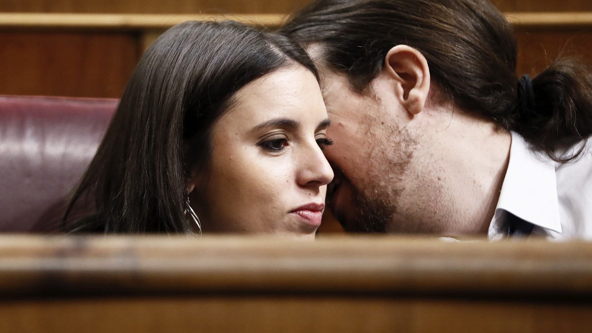 Irene Montero y Pablo Iglesias. (Foto: EFE)