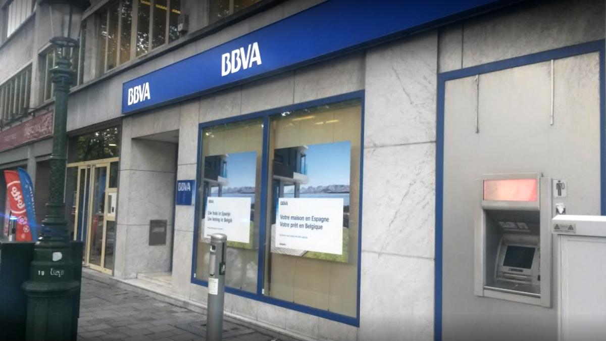Sucursal del BBVA en el número 43 dela Avenue des Arts de Bruselas.